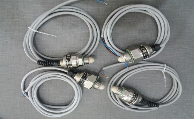 Cảm biến đo mức axit RFLS-35N-1-V