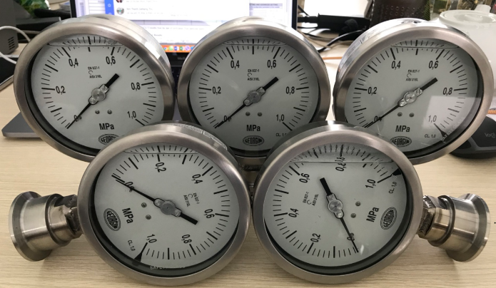 Kích thước của đồng hồ đo áp suất dạng màng Georgin