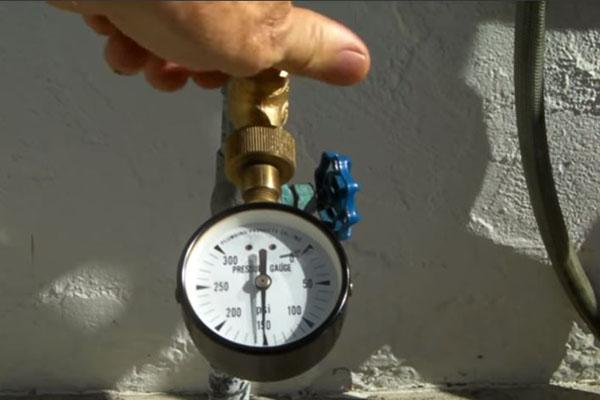 cách sử dụng đồng hồ đo áp lực nước