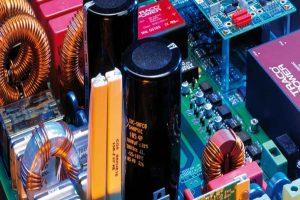 """Phân tích và Tìm hiểu """" Ứng dụng của tụ điện trong thực tế """""""